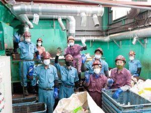 リサイクルプラント工場で働く人たち